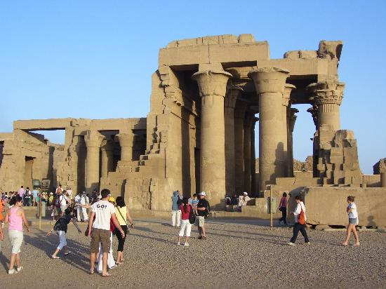 Aswan excursions, Aswan sightseeing tours with Nile cruises