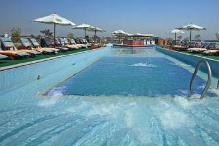 Swimming pool Sonesta St. George I