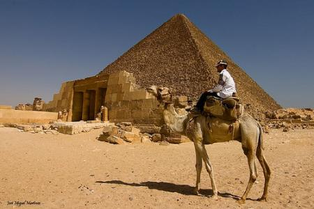 Pyramids of Giza, Pyramids tour