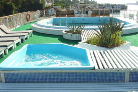 La piscina de MS Radamis II
